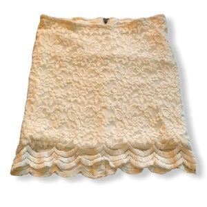 White lace mini skirt with scallop edges size 2